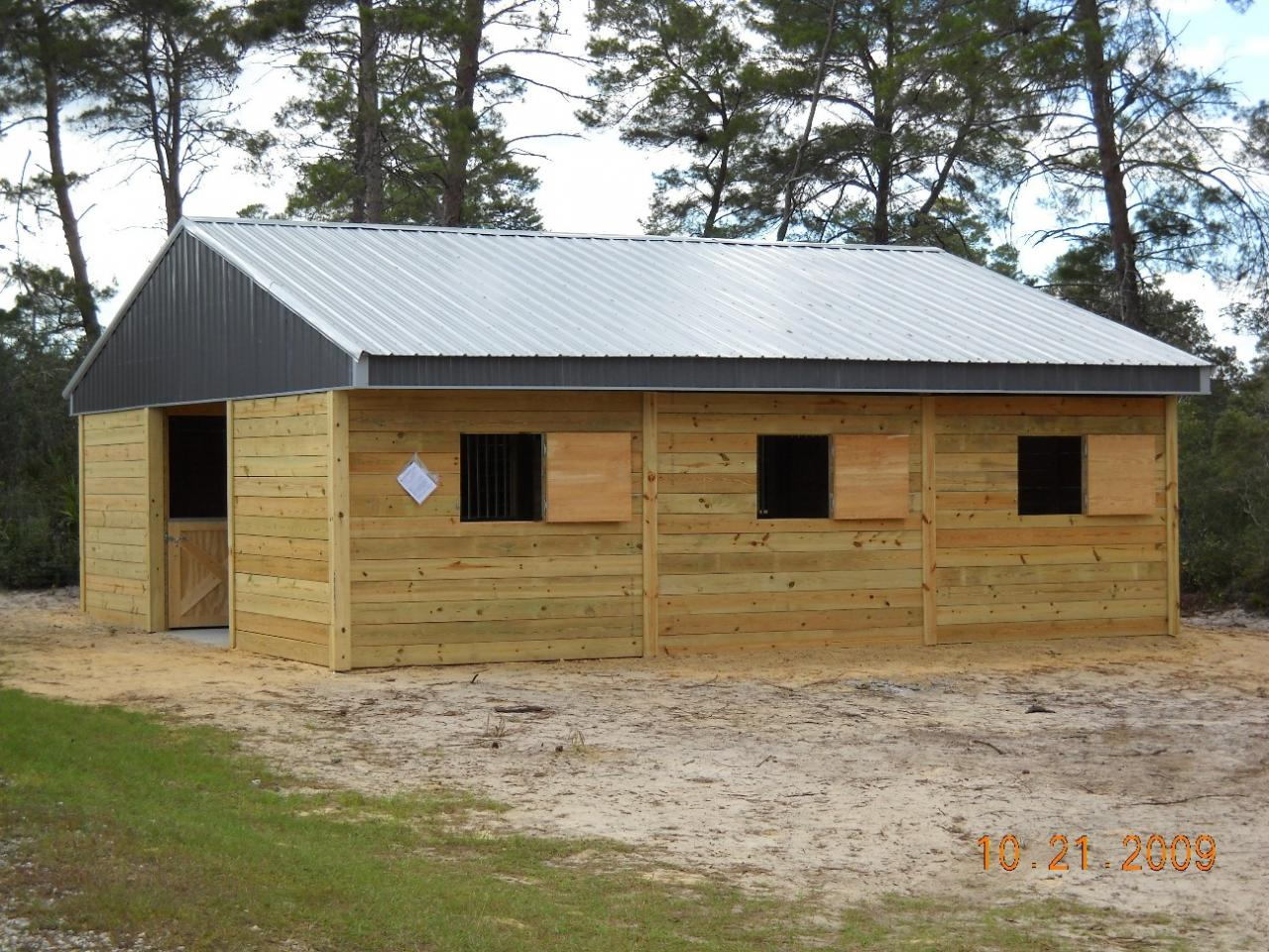 Woodys barns horse barns for 4 stall horse barn plans